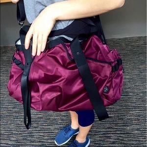 lululemon athletica Bags - RARE!! Lululemon Extra Mile Duffel bag 💼